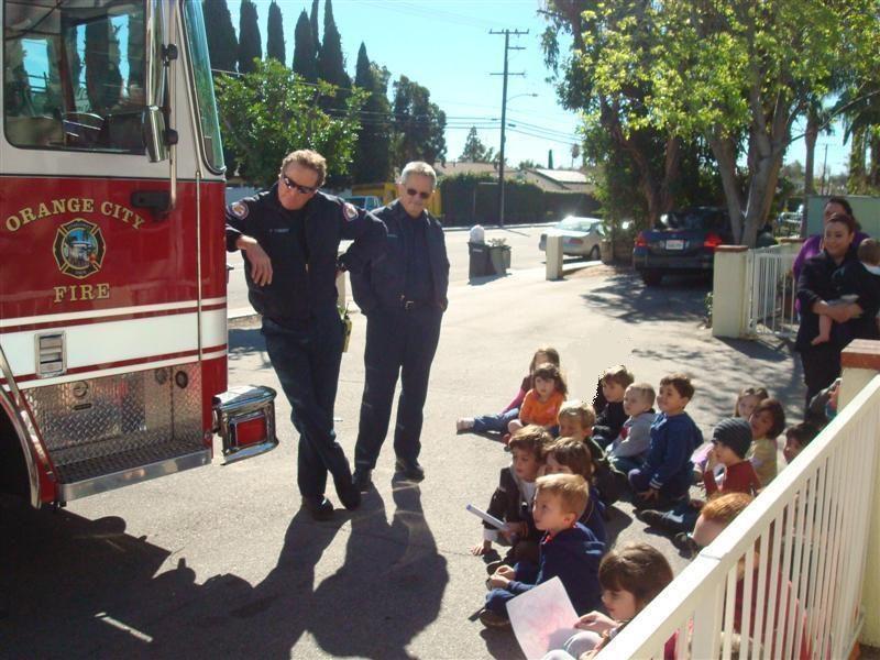 childrens-village-preschool-fire-fighter-visit